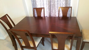 beautiful dinner table set 6'x4'