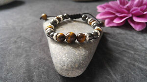 Magnetic therapeutic bracelets