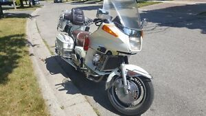 1984 Yamaha XVZ12DL Venture Royal ( loaded, Pearl Piant )