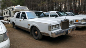 1988 Lincoln Town Car AHA