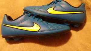 Nike Cleats youth 6
