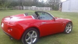 2008 Pontiac Solstice Convertible / only 13,600 kms