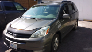 2004 Toyota Sienna LE  CERTIFIED