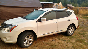 2012 Nissan Rogue AWD fully loaded automatic  winter and summer