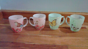 Set of 4 beautiful cups from Stokes