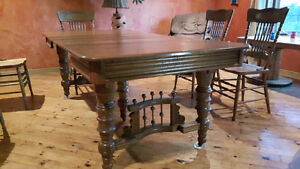 Beautiful Antique Oak Dining Table and 6 chairs Kingston Kingston Area image 2