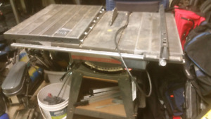 Selling my table saw . 12 inch . 220 volt