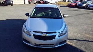 2011 Chevrolet Cruze Sedan!!!!!!LOW KMS!!!!!!!!!!!!