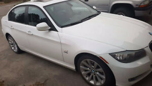 2011 BMW 3-Series 328i X-Drive Executive Package