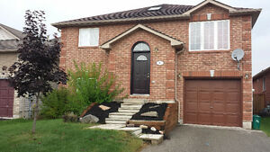 BEAUTIFUL 3 BDRM. HIGHLY SOUGHT AFTER S/E MAPLEVIEW & STUNDEN