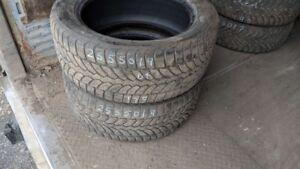 Pair of 2 Bridgestone Blizzak LM80 255/50R19 WINTER tires (55% t