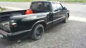 2002 Chevrolet S-10 Slt Pickup Truck Kingston Kingston Area image 1