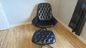 Mid century modern lounge chair and foot rest