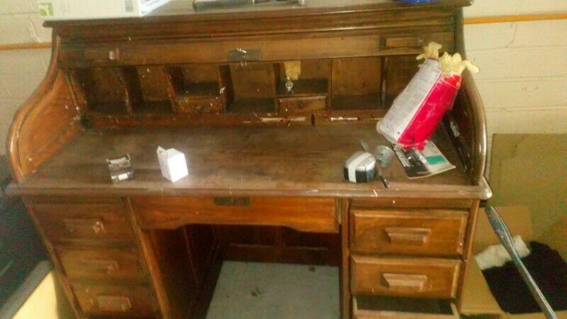 Writing desk for quick and