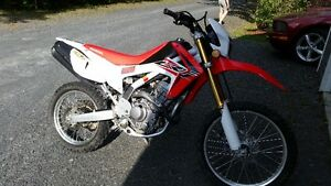 CRF 250L 2015 only 867 km road and trail