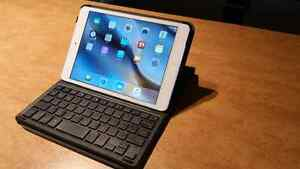 iPad mini 2 with keyboard case