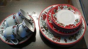 Christmas Themed Dishes Set For Four