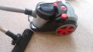 Vacuum cleaner Ovente super turbo ST2010