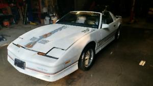 1985 Pontiac Firebird Trans Am V8 T-top