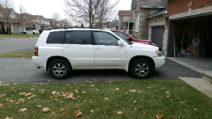 Toyota Highlander 2007 mint condition. Must see.