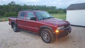 2002 Chevrolet S-10 ZR5 Pickup Truck