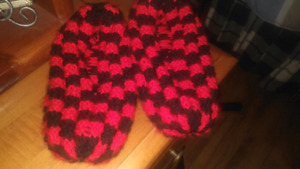 Knitted slippers - large - 2 pairs available
