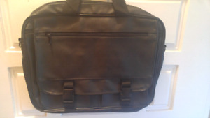 Messenger bag with lots of pockets