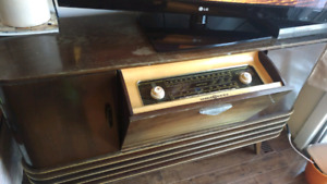 Tube Radio Console- working condition made  by  Lowes-Opta