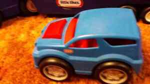 LITTLE-TIKES car hauler  Windsor Region Ontario image 4