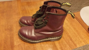 DOC MARTENS Purple Leather, 8 eyelet boots, women''s size 8 US