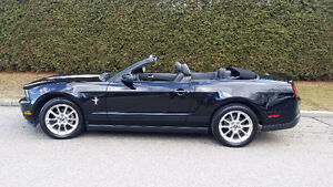 2010 Ford Mustang V6 Coupe (2 door)