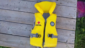 Mustang life jacket for youth