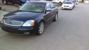 2005 ford five hundred Ltd all wheel drive very nice car low km