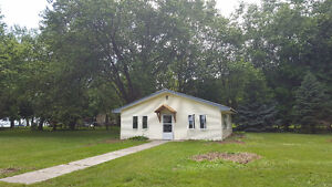Tranquil Cottage Setting in Kingsville!