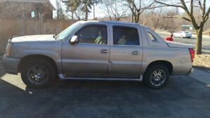 Cadillac Escalade EXT 2005 Low KMs Mint