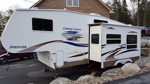 2005 Copper Canyon 5th wheel trailer