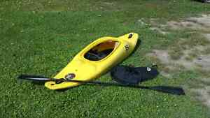 Whitewater kayak w/ paddle and spray skirt
