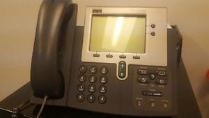 Cisco 7940 ip phones (5 phones, handsets, power supplies)