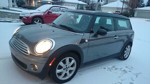 2010 MINI Clubsman 5-door , collapsible back seats for big trunk