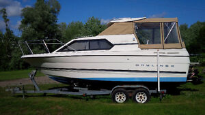 Bayliner Ciera Express 2452 Hard Top