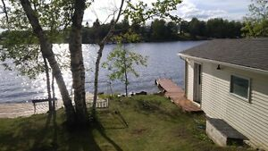 Waterfront Cottage-Lee River, Lac Du Bonnet-some wknds avail
