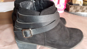 black boots ....very good condition size 7