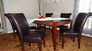 dining set almost new