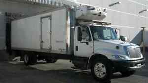 2006 International 4300 automatic 24 ft reefer pre emission