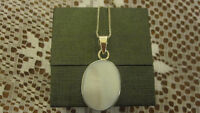 STERLING SILVER CHAIN WITH MOTHER OF PEARL PENDANT