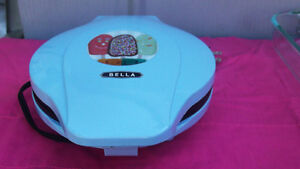 BELLA CAKESICLE MAKER AS NEW