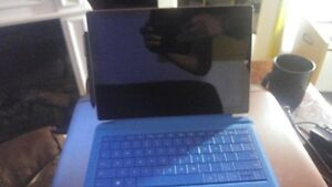 Surface Pro 3 128 Gb w/ Keyboard, Stylus, Charger