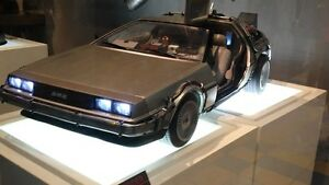 Hot Toys Delorean - 4 day sale only