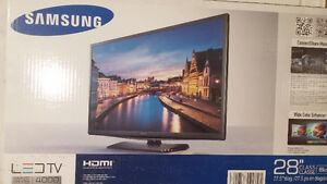 Brand New Samsung 28inch LED TV 4000 model