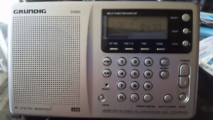 GRUNDIG G4000A PORTABLE AM/FM SHORTWAVE RADIO